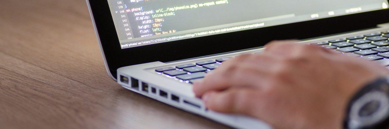 Data Science und Web Technology -Mehr zu den Inhalten der Weiterbildung erfahren